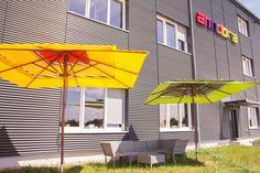 Unsere büroeigene Chill out Pausenzone - mit anndora #Gartenmöbeln und #Sonnenschirmen