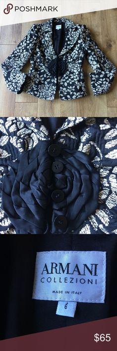 Armani Collezioni blazer Beautiful & very feminine Armani blazer. Gently worn. Size 6 (Small). Armani Collezioni Jackets & Coats Blazers