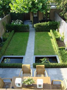schmale terrasse kleinen garten gestalten sitzbank holz. Black Bedroom Furniture Sets. Home Design Ideas