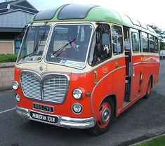 ipernity: MacBraynes Bus - 1961 Restored Bedford Coach - used by Northern Constabulary Pipe Band - by Dave Conner Moto Home, Bedford Buses, Happy Bus, Vauxhall Motors, Retro Bus, 4x4, Camper, Routemaster, Engin