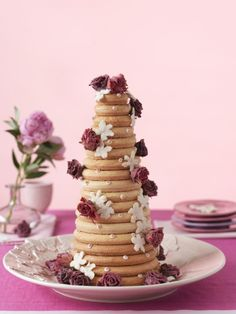 Oppskrift: Kransekake til Desserts Around The World, Norwegian Food, Scandinavian Food, Magical Wedding, Korn, Cake Decorating, Decorating Ideas, Let Them Eat Cake, Cupcake Cakes