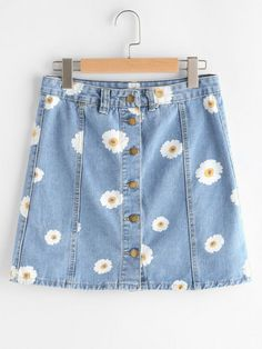 SheIn offers Single Breasted Daisy Print Denim Skirt & more to fit your fashionable needs. Source by cynthiaoighavongbe - Girls Fashion Clothes, Teen Fashion Outfits, Cute Fashion, Girl Fashion, Fashion Mode, Korean Fashion, Marlene Jeans, Denim Skirts Online, Teen Fashion