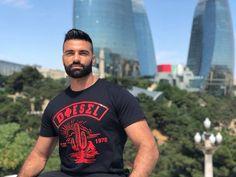 darioowen.com Personal Trainer, Model, Mens Tops, T Shirt, Fashion, Mathematical Model, Supreme T Shirt, Moda, Tee Shirt