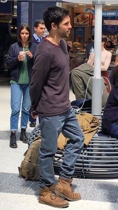 Colin Morgan as Leo Elster, May 26, filming Humans s2 in Liverpoolstreet Station
