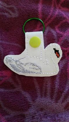 Swan keyfob design for machine embroiderers to by NortyUnicorns