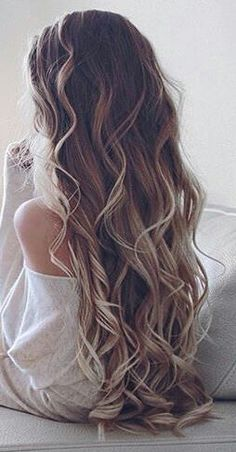 Ombre curly hair #gorgeoushair