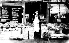 Handy Andy Market (Humphrey's) ca 1920. Springfield, Illinois. Courtesy of the Illinois Times.