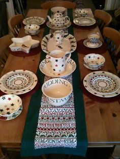 Emma Bridgewater Christmas Table Setting.......