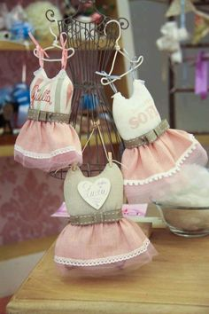 sewing idea for baby ♥ Bomboniere Ideas, Lavender Bags, Felt Diy, Baby Crafts, Holidays And Events, Wool Felt, Stampin Up, Baby Shower, Scrapbook
