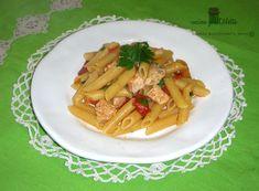 La pasta con salmone fresco è un primo piatto ricco e raffinato che potete servire anche in un pranzo nei giorni festivi. La pasta con salmone fresco si....