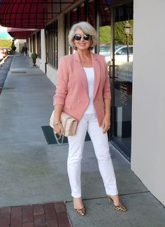women's fashion over 40 over 50 style Over 60 Fashion, Mature Fashion, Over 50 Womens Fashion, 50 Fashion, Look Fashion, Trendy Fashion, Plus Size Fashion, Fashion Outfits, Fashion Trends