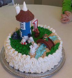 #muumikakku #moomincake  #muumi #moomin #pikkumyy #haisuli #mörkö #muumipeikko #mamma #pappa #nipsu #muumitalo #yksvuotiskakku #oneyearcake Baby Boy Cakes, Cakes For Boys, Birthday Cakes, Baking, Instagram Posts, Desserts, Kids, Food, Tailgate Desserts