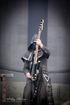 Stand By Him. Ghoul Bassist / Ghost. Sonisphere Finland 2014 - Hietaniemi Beach, Helsinki, 28/05/14 | Metal as Fuck