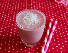 Strawberry Coconut Smoothie : PrimalPaleo.com