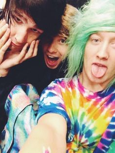 Are veeoneeye and lukeisnotsexy friends