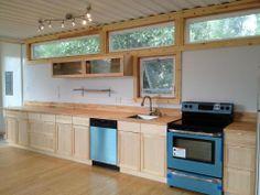 great kitchen, long workspace
