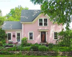 "oldfarmhouse: """"My pink house crush in Castine, Maine  Happy Friday! #cottage #castine #maine"" """