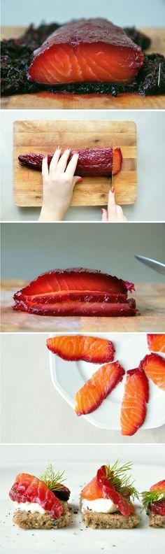 Stunning Gravlax de saumon à la betterave http://translate.google.com/translate?hl=en&sl=fr&u=http://www.jveuxetrebonne.com/2011/11/gravlax-de-saumon-a-la-betterave/&prev=search