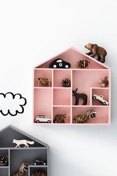 House shaped shelves for little things. #tinylittlepads @tinylittlepads www.tinylittlepads.com