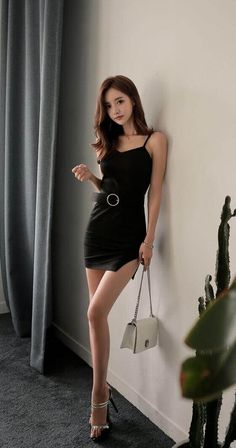 Little Black Dress Fashion Models, Girl Fashion, Womens Fashion, Korean Beauty, Asian Beauty, Traje Casual, Beautiful Asian Women, Beautiful Legs, Sexy Asian Girls