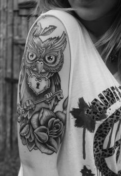 Owl with key and lock tattoo - Nothing is more adorable than an owl tattoo carrying a key and with a lock necklace. #TattooModels #tattoo