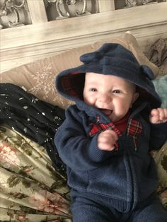Baby Boy Newborn, Baby Kids, Cute Baby Pictures, Baby Fever, Teacup, Baby Boy Outfits, Mom And Dad, Little Boys, Babys