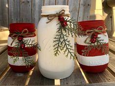Peppermint Christmas Decorations, Mason Jar Christmas Crafts, Mason Jar Crafts, Mason Jar Diy, Rustic Christmas, Christmas Holiday, Candy Cane Decorations, Candy Cane Crafts, Candy Cane Christmas Tree