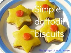 Simple Daffodil biscuits to celebrate spring using a ready made gingerbread kit from Morrisons and coloured marzipan to decorate Daffodil Craft, Daffodil Day, Easter Crafts, Crafts For Kids, Easter Biscuits, Welsh Recipes, Saint David's Day, Mothering Sunday, Holiday Club