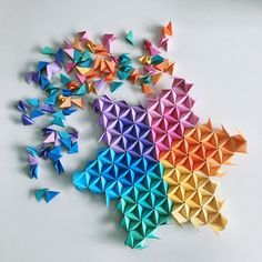 Do you know you can request custom order in any shape or colours you wish? Here … - Origami Mobil Origami, Origami Mouse, Origami 3d, Origami Ball, Origami Star Box, Origami Fish, Origami Stars, Geometric Origami, Origami Tattoo