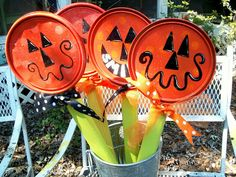 mollie's mom: Pumpkins from Paint Can Lids...