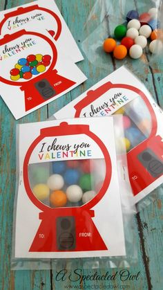 """I always have good intentions but then I end up waiting until the last minute to get things done & then I stress out about them. Not in 2018! I am making it a goal to not procrastinate and plan ahead so I've decided to share this ADORABLE """"I Chews You"""" Gumball Machine Valentine's Day Card Printable"""