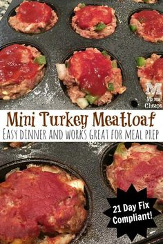 Healthy Meals - This super easy Mini Turkey Meatloaf recipe tastes great and is perfect for lunch, dinner and meal prepping. Recipe is 21 Day Fix compliant. 21 Day Fix Diet, 21 Day Fix Meal Plan, Mini Turkey Meatloaf, Turkey Meatloaf Muffins, Healthy Turkey Meatloaf, Healthy Meatloaf Recipes, Fixate Recipes, Advocare Recipes, Fast Recipes