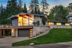 Studs out remodel of iconic #midcenturymodern home in #Kirkland! #washington http://360modern.com/blog/washington/modernhome/774489