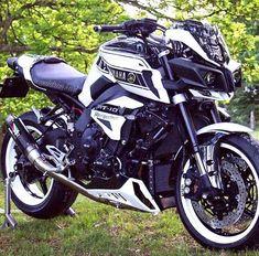 Yamaha Bikes, Cool Motorcycles, Ninja Bike, Mt 10, Custom Street Bikes, Love Car, Motorcycle Bike, Super Bikes, Cool Bikes