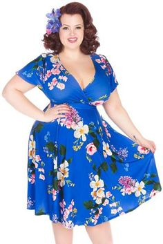 Perfect fitting retro vintage plus size dresses, plus size swing dress, and plus size pin up dresses for the curvy hep cats of today. Plus Size Gowns Formal, Dress Plus Size, Pin Up Dresses, Fashion Dresses, Summer Dresses, Fashion Wear, Special Dresses, Special Occasion Dresses, Plus Size Dresses Australia