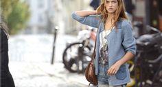 Toute douce en coton couleur de jeans délavé, cette veste deviendra vite votre chouchou…. le top parfait pour arborer ses jeans. Cette veste est tricotée en jersey avec un fil tricotine ...
