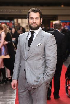 Henry Cavill News: Henry Looking Suave In Grey At Jameson Empire Awards
