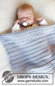 Crochet baby shawl drops design 45 New ideas Crochet Baby Shawl, Crochet Beanie Pattern, Crochet Blanket Patterns, Crochet Hats, Crochet Ideas, Free Crochet, Baby Knitting Patterns, Baby Patterns, Free Knitting