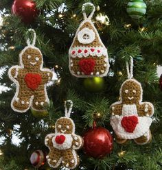 Gingerbread Family Crochet Christmas Ornaments | Cute Christmas ornament crafts perfect for crocheters.