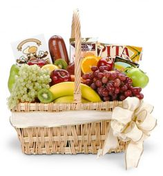 Gourmet Fruit Basket-Better (Shown) - An abundant assortment of fruit and gourmet foods.Gourmet Fruit Basket - This traditional basket is filled with an abundance of fresh fruits, chocolates, and gourmet specialties. Gourmet Gift Baskets, Gourmet Gifts, Gourmet Recipes, Gourmet Foods, Wine Baskets, Chocolate Basket, Chocolate Gifts, Fruit Gifts, Food Gifts