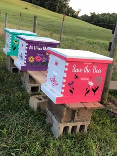 Beekeeping for Beginners Bee Hive Stand, Bee Hives Boxes, Honey Bee Hives, Honey Bee Box, Honey Bees, Off Grid, Beekeeping For Beginners, Bee House, Bee Farm