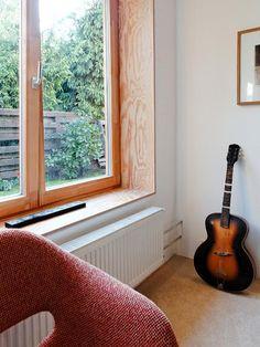 jrkvc_nhr_rekonstrukcia_bytu_fot_ JRKVC Peter Jurkovic_do opisu Tiled Window Sill, Window Sill Trim, Window Ledge, Interior Windows, Bedroom Windows, Cabin Design, House Design, Wooden Windows, Window Styles