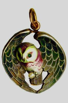 Fabergé. Owl Pendant. Gold, silver, a pearl, enamel. 1916 – 1917. Moscow, Russia.