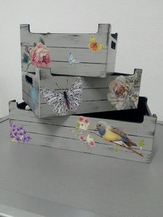 Holzmalerei-Box-Set Source by Shabby Chic Crafts, Rustic Crafts, Vintage Crafts, Wooden Crates, Wooden Diy, Decoupage Art, Painting On Wood, Painted Furniture, Diy And Crafts