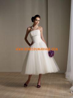 Rina di Montella robe de mariée bustier longueur mollet ornée de pli tulle