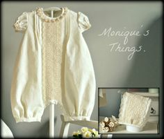 CUSTOM BOUTIQUE. DESIGN YOUR OWN OUTFIT. Clothing for babies and children. Completely handmade in Spain with European material. We recommend read this listing entirely for know how do your order correctly. ------- SIZES. Baby NB-3M,6M,9M,12M,18M- Months Toddler 2T (2 YEARS) For bigger sizes the design will be special. Please, contact us. www.etsy.com/es/listing/285313893 --------------------------------------------------------------------------------- The romper could be adapted to the size…