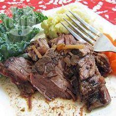 Einfacher Rindfleisch Eintopf mit Möhren und Kartoffeln im Slow Cooker @ de.allrecipes.com