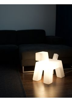 DESIGN EERO AARNIO Wuff-valaisin | Design-valaisimet Bubble Chair, Ball Chair, Design Awards, Innovation Design, Furniture Design, Kid, Interior Design, Room, Home Decor