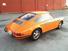 1970 Porsche 911 E (Signal Orange) - Pelican Parts Technical BBS - I prefer British Racing Green on these