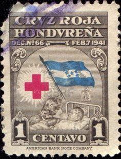 HONDURAS - alrededor de 1941 Un sello impreso impuesto obligatorio en Honduras muestra de la Cruz Roja, alrededor del año 1941 Foto de archivo - 17262036
